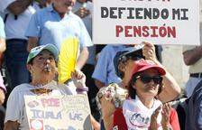 La despesa en pensions es dispara per la revalorització i els endarreriments