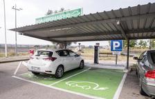 Primer cargador de coches eléctricos en Fonolleres