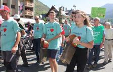 Més de 300 ramaders del Pirineu fan una marxa a Vielha per protestar per atacs de l'ós