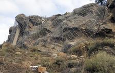 Biosca protegeix les cases davant del risc de caiguda de grans roques