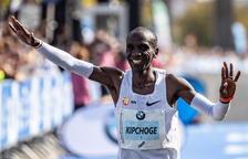 Eliud Kipchoge destrossa el rècord mundial de marató