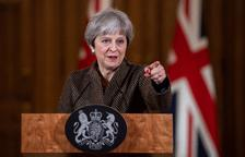 Una May acorralada reclama a Europa que desbloquee el Brexit