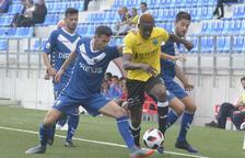El Lleida arrenca un punt jugant amb 10