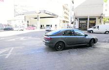 Fuego cerca de una gasolinera en Balaguer