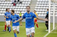 El Lleida gana al Alcoyano (2-0) y se sitúa a un punto del liderato