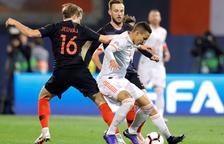 Ivan Rakitic, con molestias, vuelve a Barcelona y no jugará ante Inglaterra