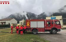 Bombers fan pràctiques de focs en indústries al Solsonès