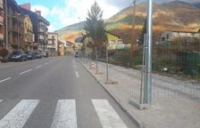 Vilaller renueva la travesía de la N-230 y hará diez aparcamientos