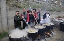 Mil raciones de ranxo en los 100 años de la huelga de la Canadenca en Camarasa