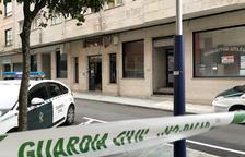 Un home dispara a la seua parella i s'atrinxera en un pis per suïcidar-se