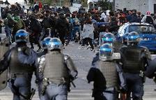 El Gobierno francés investigará el arresto masivo de estudiantes en una protesta