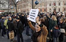 Tensió al coincidir actes de víctimes i de presos d'ETA
