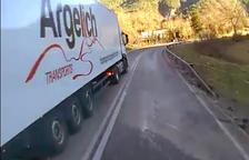 Els Mossos investiguen un camioner temerari al Pont de Suert