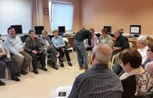 Taller a Mollerussa per formar la gent gran sobre internet i 'smartphones'