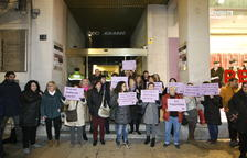 Més de 200 persones es concentren per protestar contra el pacte del PP amb Vox a la Junta d'Andalusia