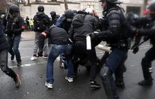 Los 'chalecos amarillos' siguen tras diez semanas de protestas