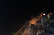 Un fuego en la central termosolar de Les Borges acapara los bomberos
