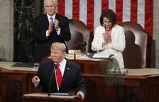 Trump presume de economía y de que él hará el muro con México