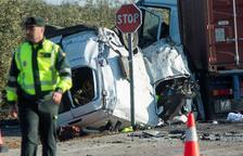 Cinco empleados mueren en un accidente de coche en Utrera