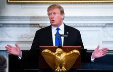 Trump aplaza el aumento de los aranceles a China