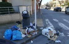 Denuncien a tres veïns de Tàrrega per deixar residus a la via pública